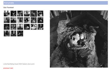 """Página web de la serie """"Fairytale"""", de Miwa Yanagi. La fotografía destacada es """"Little Red Riding Hood"""" (2004). Imagen linkada a la web de Yanagi"""