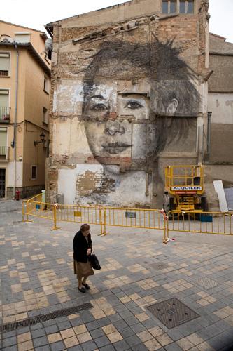 """Mural en Tudela (Navarra), """"María"""", de Jorge Rodríguez-Gerada, 2010. Imagen reproducida por gentileza del artista."""