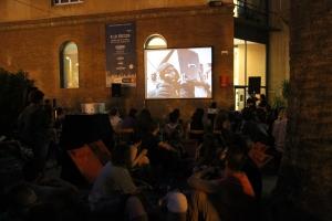 Proyección nocturna. FotoFesta 2012. Fotografía reproducida por gentileza de su autora: Carme Muñoz.