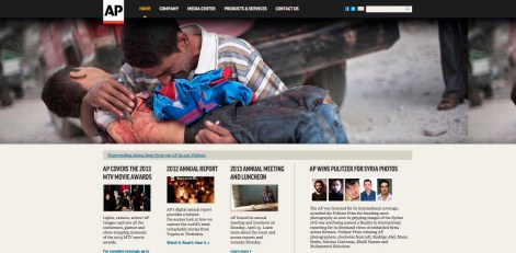 Portada de la web de la AP con una de las fotografías de Manu brabo y la noticia del premio.