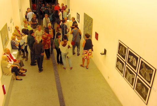 """Inauguración de las exposiciones """"un mirall buit"""" y """"las lágrimas del color 2003-2011"""". Foto: Rebeca Pardo"""