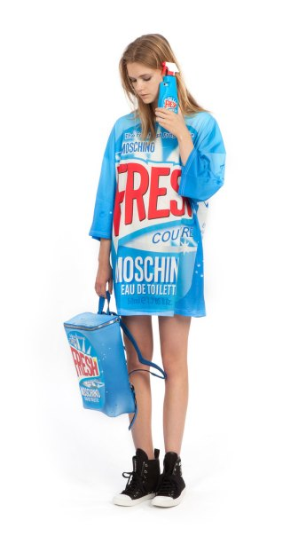 moschino_fresh_fragrance_i_phone-thumb-autox1487-10259