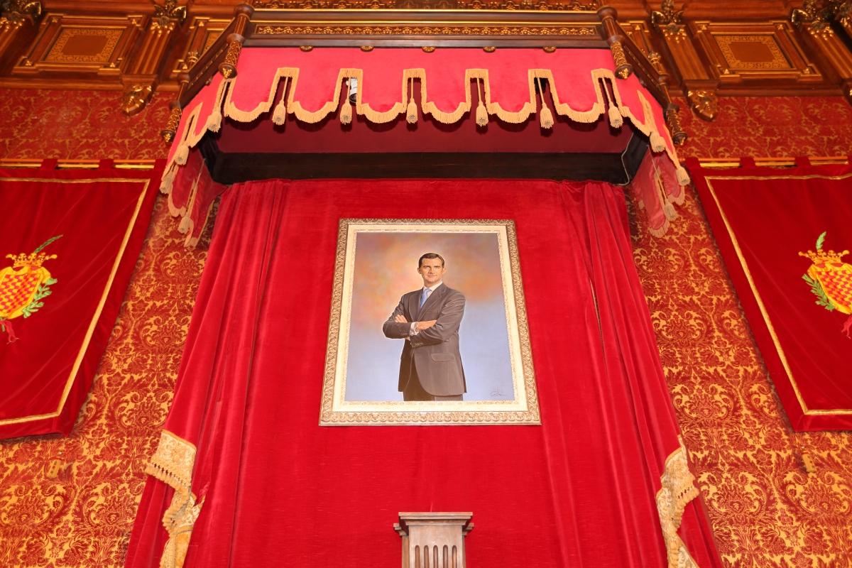 En un lugar preferente, de Ignasi Prat: una visión crítica del retrato de Estado